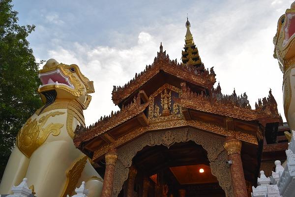 yangon_Shwedagon_Pagoda-01