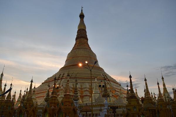 yangon_Shwedagon_Pagoda-03