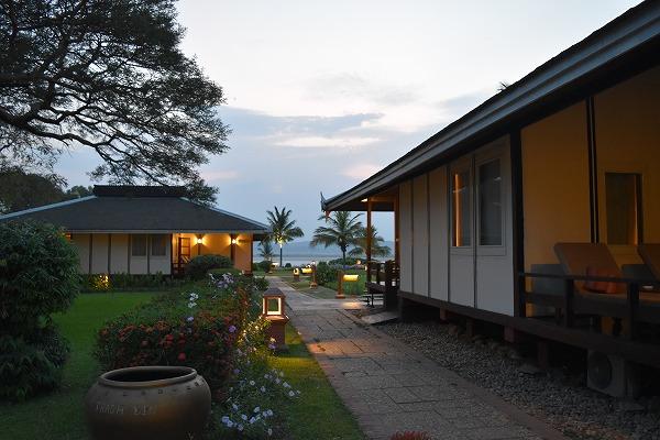 thiripyitsaya-resort-bungalow