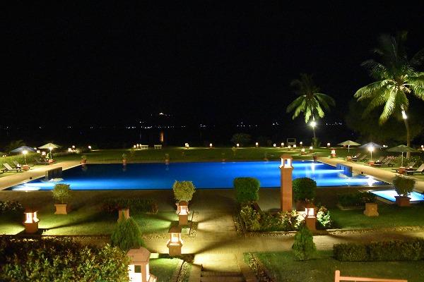 thiripyitsaya-resort-pool