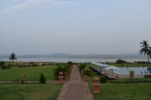 thiripyitsaya-resort