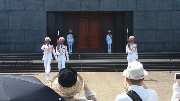 Ho_Chi_Minh_Mausoleum-01