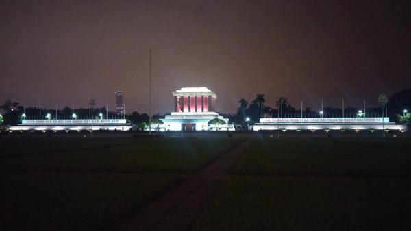 Ho_Chi_Minh_Mausoleum-03
