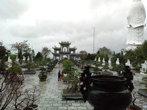 chua_linh_ung_lady_buddha-02