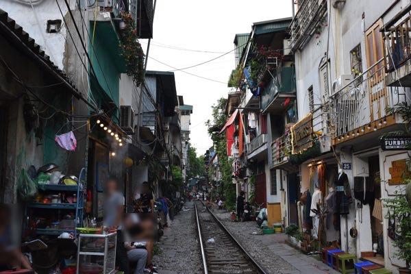 hanoi_train_street-02