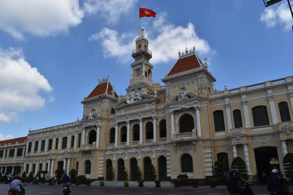 ho-chi-minh-city-hall-01