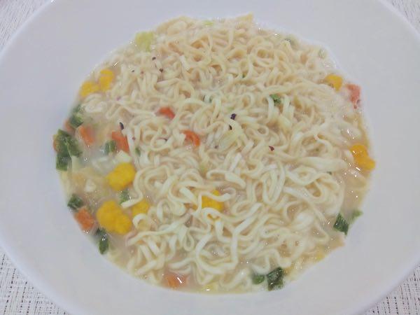 nissin-cup-noodles-haisan-nhatban-06