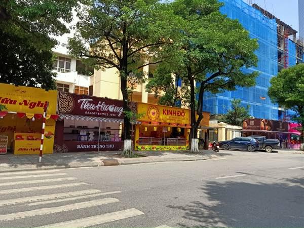 Dao Tan通りの月餅販売仮設店舗