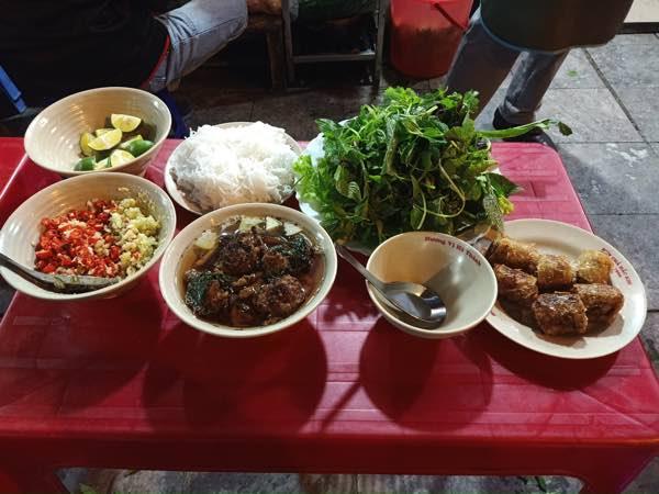 Hanoi-Bun-Cha-Dac-Kim-02