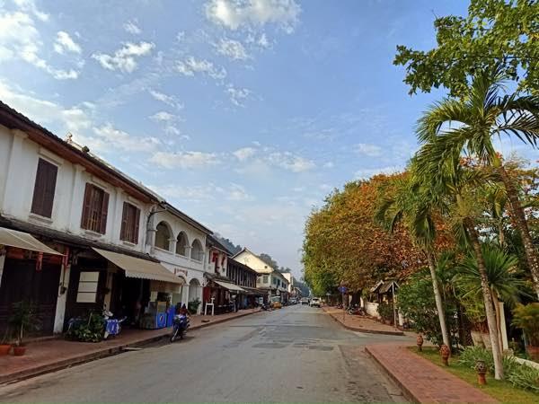 laos-luang-prabang-Dec-2019-103