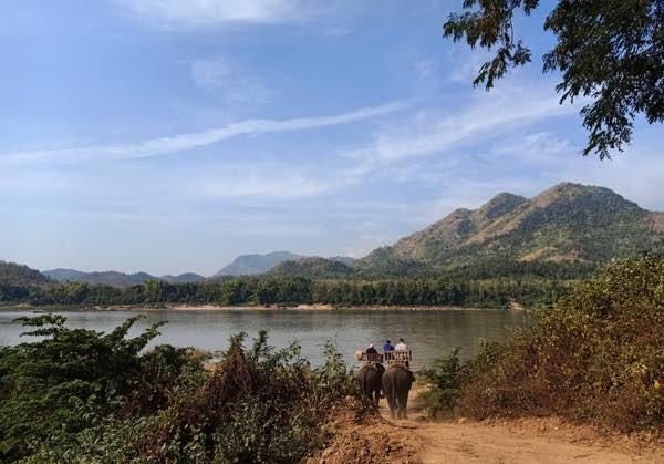 laos-luang-prabang-Dec-2019-119