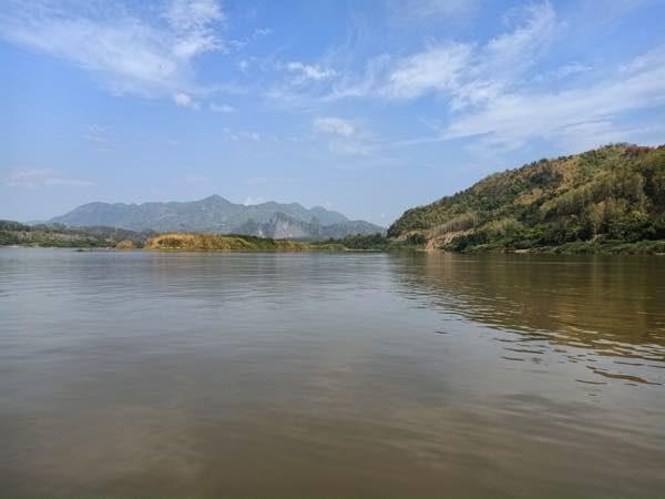 laos-luang-prabang-Dec-2019-142
