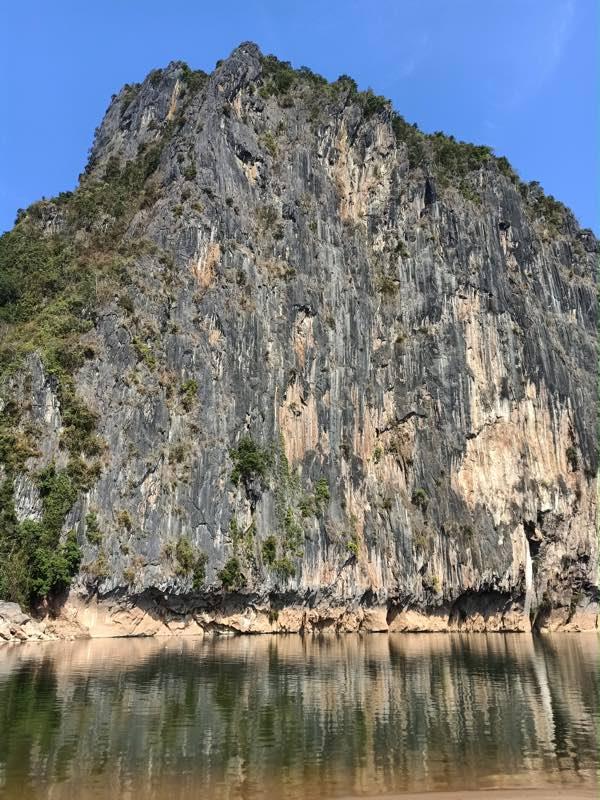 laos-luang-prabang-Dec-2019-149