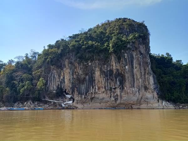 laos-luang-prabang-Dec-2019-151