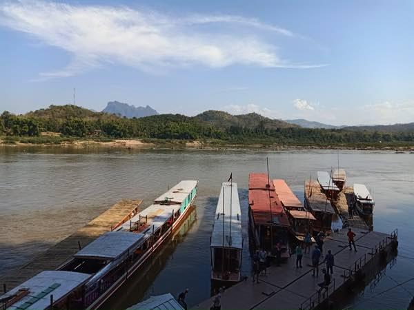 laos-luang-prabang-Dec-2019-176