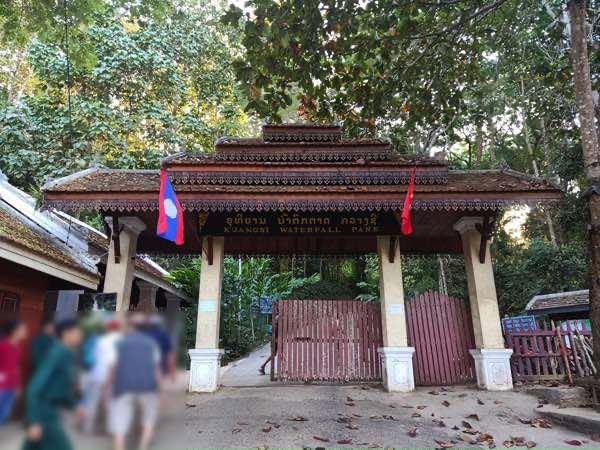 laos-luang-prabang-Dec-2019-206