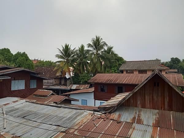 laos-luang-prabang-Dec-2019-264