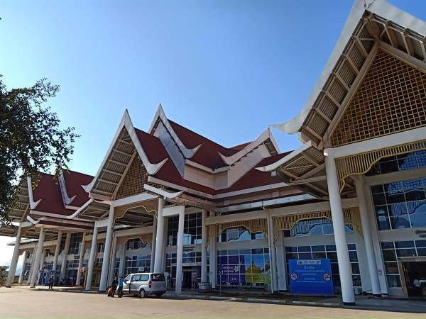 laos-luang-prabang-Dec-2019-303
