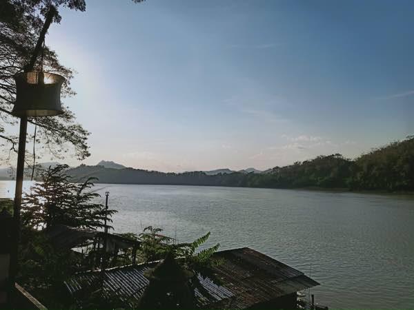 laos-luang-prabang-Dec-2019-36