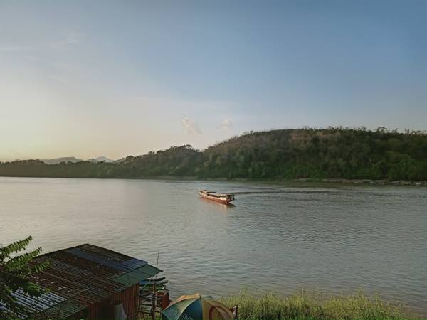 laos-luang-prabang-Dec-2019-42
