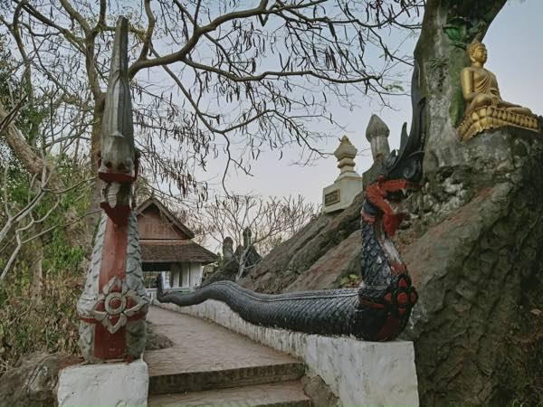 laos-luang-prabang-Dec-2019-52