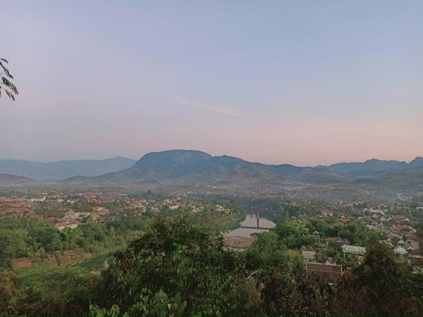 laos-luang-prabang-Dec-2019-59