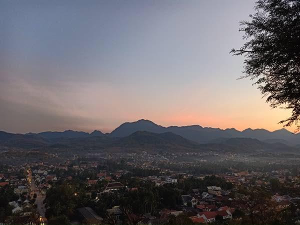laos-luang-prabang-Dec-2019-60