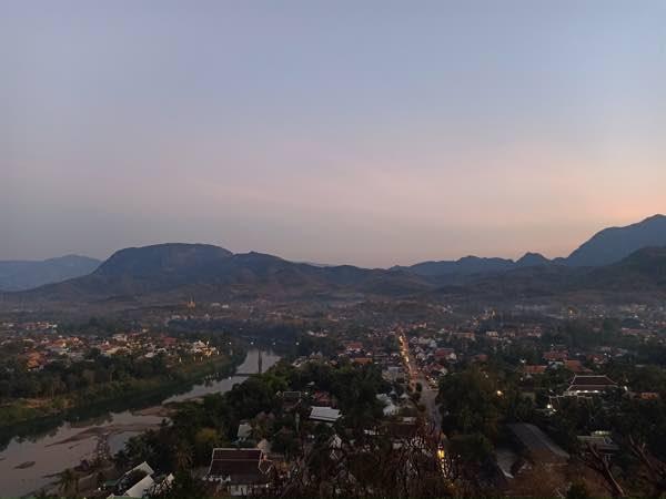 laos-luang-prabang-Dec-2019-61