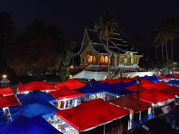laos-luang-prabang-Dec-2019-81